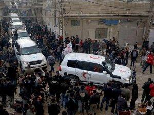 Suriye rejimi Deraya'ya kısmi yardım girişine izin verdi