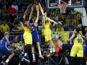 Basketbolda final heyecanı sürüyor