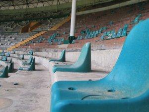 Atatürk Stadı'nda yıkım başladı