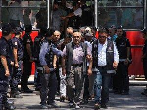 Adana merkezli FETÖ/PDY operasyonunda 27 kişi adliyede