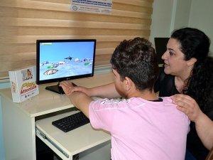 Otistik çocuklara eğlenceli tedavi