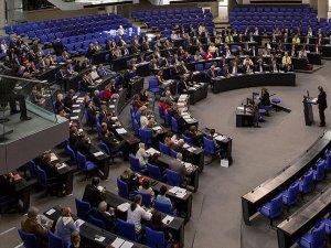 'Alman Meclisin kararında iç siyaset etkili oldu'