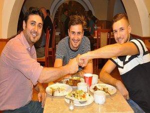 İslamiyet'i seçen Macar milli boksörlerin ilk ramazan heyecanı