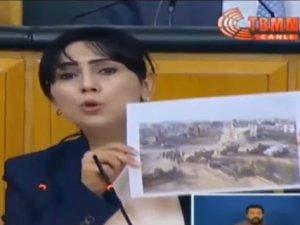 Figen Yüksekdağ Türk bayraklarından rahatsız oldu!