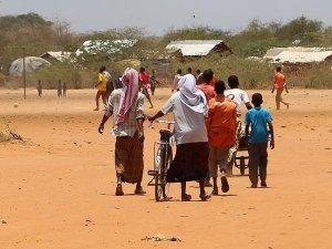 Somali, Dadaab kampındaki vatandaşlarına kucak açtı