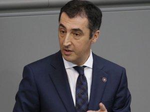 Cem Özdemir, Meclis kararı ile hemşehrilikten çıkartıldı