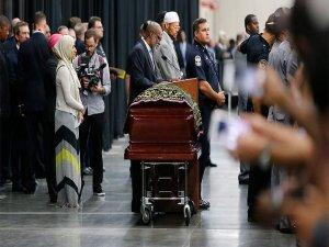 World bids farewell to Muhammad Ali in grand sendoff