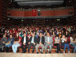 """Akşehir'de """"Bozkır'ın Sırrı Türk Peygamber' paneline yoğun ilgi"""