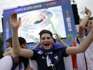 EURO 2016'ya dev açılış