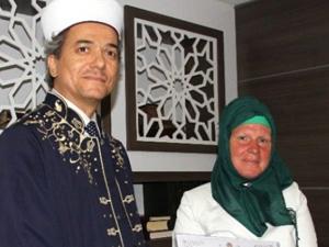 Müslüman olan Alman kadın müftüden ne istedi?