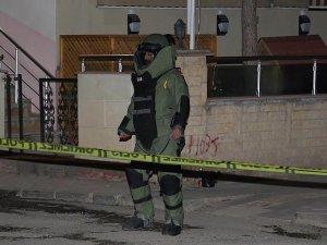 Bayburt polisevi önünde bulunan şüpheli paket fünyeyle patlatıldı