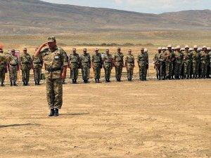 Azerbaycan ordusu savaş tatbikatı yaptı
