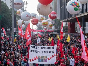 Brezilya'da geçici Devlet Başkanı Temer protesto edildi