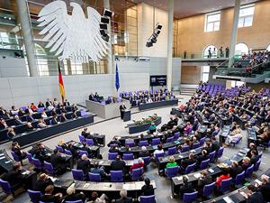 Almanya'dan Türk kökenli vekillere uyarı