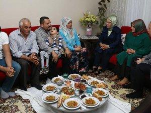 Emine Erdoğan'dan sürpriz iftar ziyareti