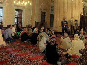 Tarihi camilerde Ramazan hareketliliği