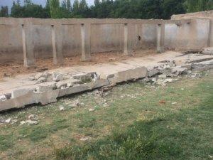 Üzerine duvar çöken çocuk öldü