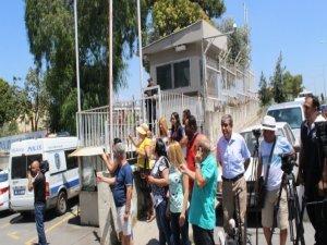 Atalay Filiz'i yuhalayarak İstanbul'a gönderdiler
