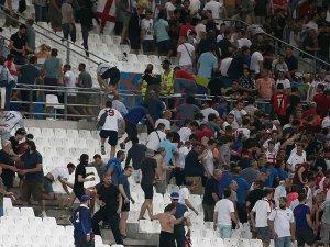 FIFA İngiltere-Rusya maçı öncesi çıkan olayları kınadı