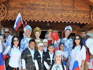 EXPO 2016 Antalya'da 'Rus Bahçesi' açıldı