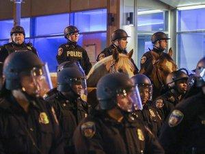 ABD'de LGBTİ Onur Yürüyüşü'ne saldırı son anda engellendi