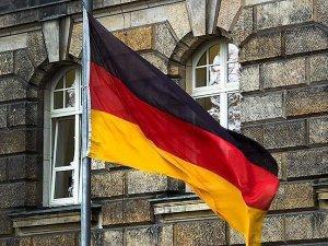 'Almanya'da kadınlar yüzde 21 daha az kazanıyor'