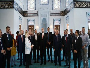 Cumhurbaşkanı Erdoğan Esenboğa'da yapılan camiyi inceledi