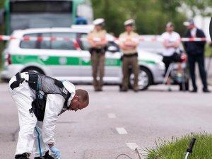 Almanya'da sığınmacılara ateş açıldı