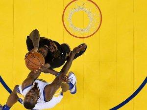 NBA finalinde James'li Cavaliers Curry'li Warriors'ı mağlup etti