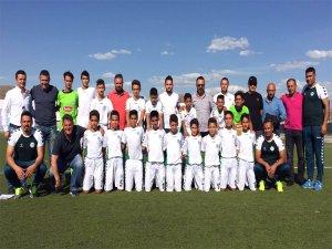 U13 Konyaspor, Aksaray'da grup şampiyonu oldu