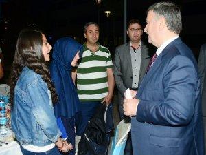 Başkan Akyürek, öğrencilerle iftarda buluştu