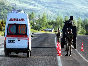 Van'da zırhlı polis aracının geçişi sırasında patlama: 6 yaralı