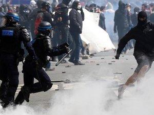 Fransa'da göstericiler ile polis arasında çatışma: 40 yaralı