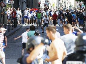 EURO 2016'da Rus ve İngiliz taraftarların taşkınlıkları sürüyor