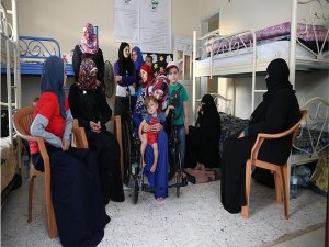 Savaş mağduru Suriyeli 11 kadın aynı evde buluştu