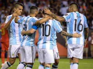 Copa America'da Arjantin 3'te 3 yapan tek takım oldu