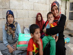 Kendini Kilis'teki Suriyeli sığınmacılara yardıma adadı