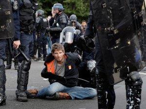 ABD, Fransa'daki şiddet olaylarından endişeli