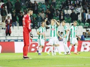 Konyaspor şampiyonları dize getirdi