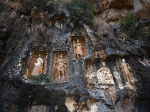 Dev kabartmaların gizemli mekanı: 'Adam Kayalar'