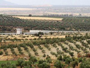 Suriye sınırındaki güvenlik duvarı çalışmaları sürüyor