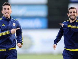 Fenerbahçe Ramazan Civelek ve Uygar Mert'le sözleşme imzaladı