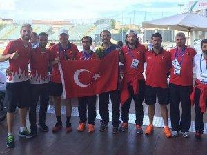 Milli atletlerden 8 madalya