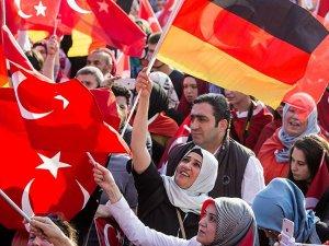 'Almanya'daki Türkler kendisini ikinci sınıf olarak görüyor'