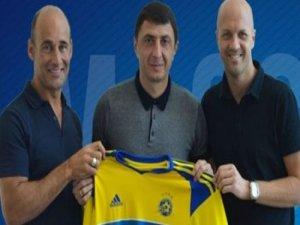 Trabzonspor'un efsanesi imzayı attı
