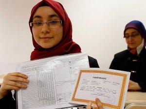 Suriyeli öğrencinin 'onurlu' başarısı