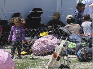 Sığınmacıların 'araftaki' bekleyişi sürüyor