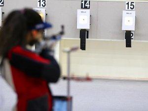 Milli sporcu Elif Kırklar atıcılıkta ilki başardı
