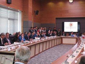 Yüksek yargı düzenlemesi komisyonda kabul edildi