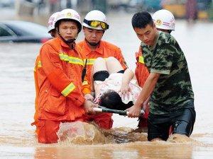 Çin'deki şiddetli yağışlar 25 can aldı